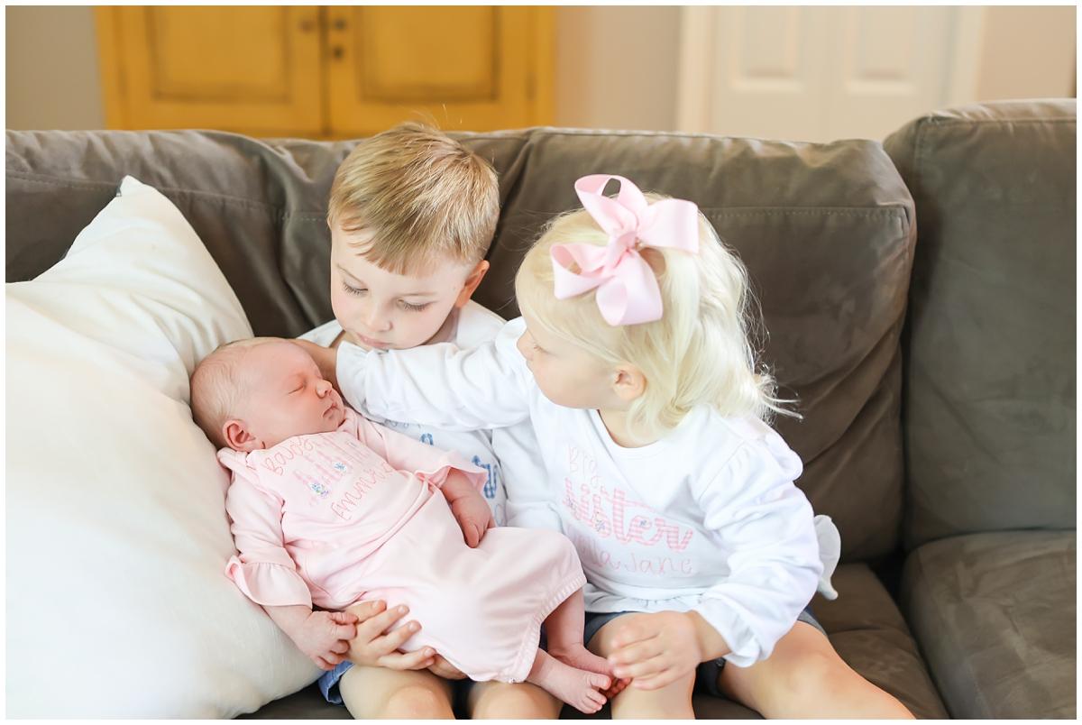 Big brother big sister newborn photos